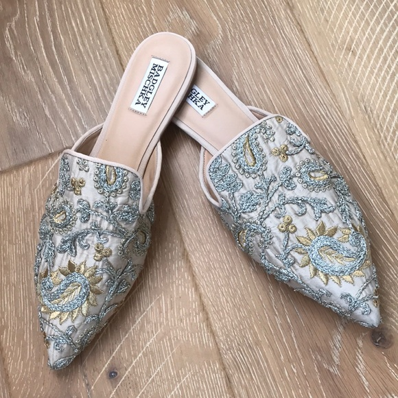 3c1e15186 Badgley Mischka Shoes - Badgley Mischka Phoebe Embroidered Day Shoe sz 10